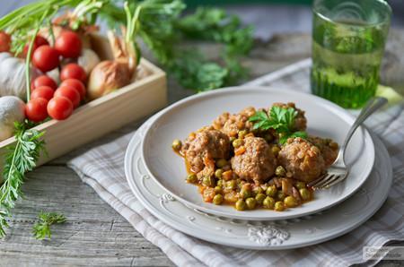 43 recetas de albóndigas en salsa, jugosas y fáciles