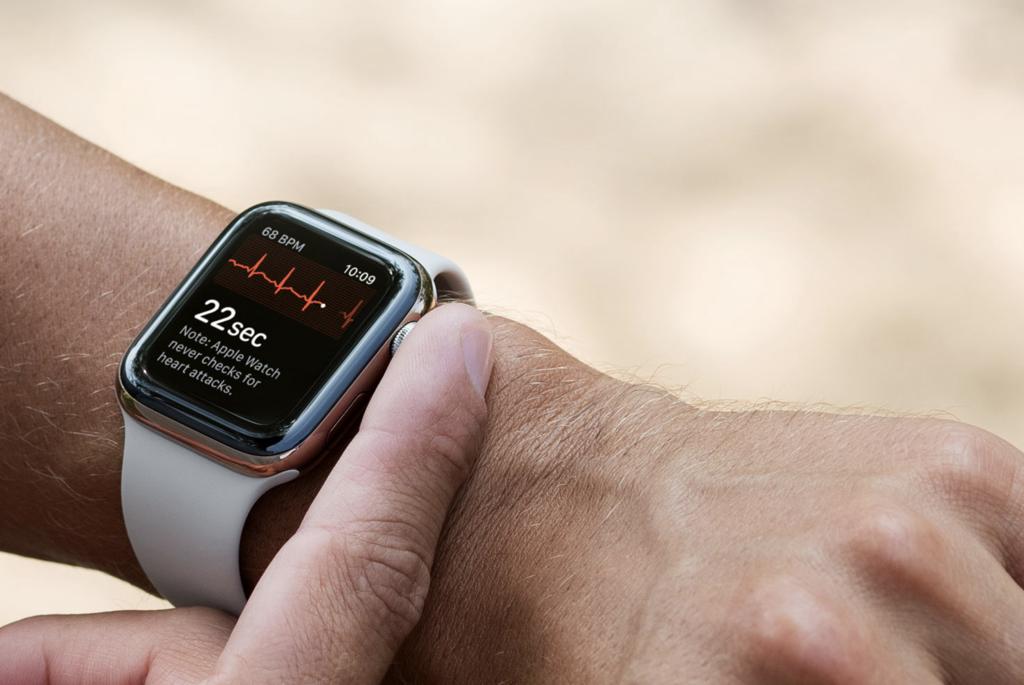 Sensores de presión arterial, glucosa en sangre y monitorización del sueño, estos son los planes para futuros Apple Watch, según el WSJ