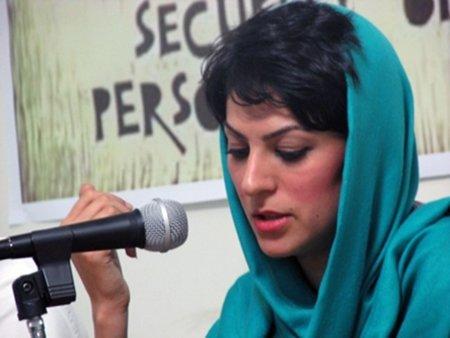 """Shiva Nazar Ahari, bloguera iraní, se enfrenta a una condena de muerte por """"hacer la guerra a Dios"""""""
