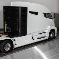 Bloomberg acusa a Nikola de exagerar las capacidades de su camión de hidrógeno y presentarlo sin siquiera un motor completo