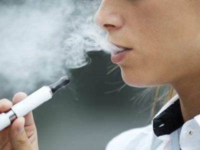 Cigarrillo electrónico, tampoco seguro en el embarazo