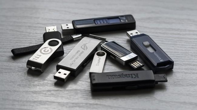Memory Stick 1267620 1920