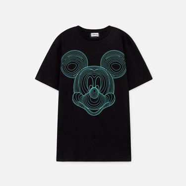 Mickey Mouse vuelve a ser el personaje top de tu look con éstas camisetas de Lefties