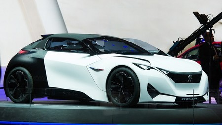 PSA apuesta por la electrificación: producirá hasta tres coches eléctricos en España en 2021