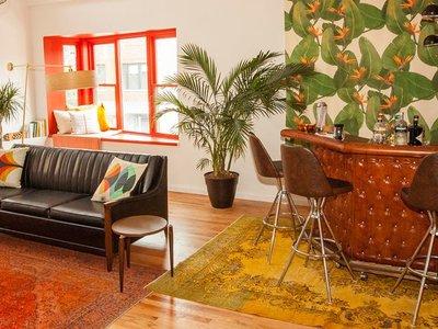 La marca Marine Layer reconvierte alguno de sus puntos de venta en alojamientos Airbnb