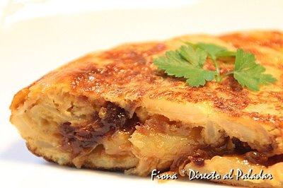 Receta de tortilla de patata con cebolla caramelizada