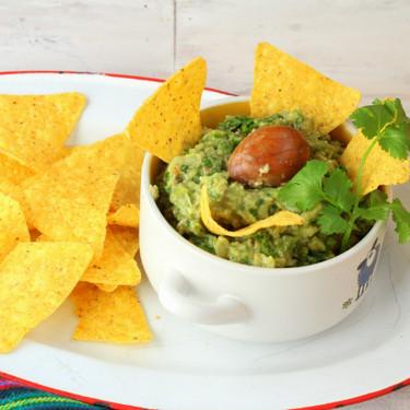 Cómo hacer guacamole en casa, la receta más sencilla y auténtica