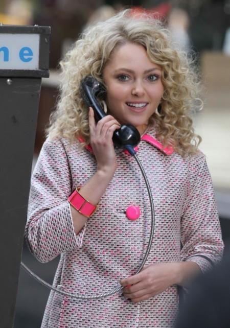 """""""Hola, soy Carrie, y aunque no lo creas así me visten en los 80..."""""""