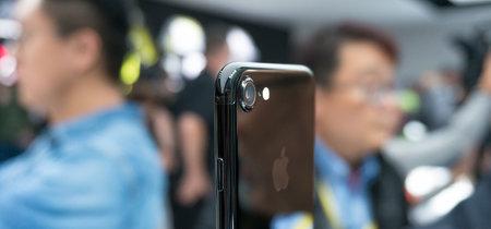 Apple continúa con dificultades para atender la elevada demanda del iPhone 7, según analistas