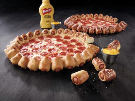 La pizza hecha con perritos calientes no es ninguna herejía gastronómica: está en su origen