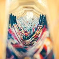 """El lado oscuro de la ropa """"vegana"""": microplásticos, tejidos contaminantes y consumo rápido"""