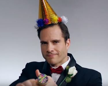 100 años de looks masculinos de Nochevieja en un solo vídeo