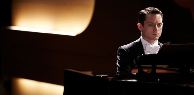 Elijah Wood en Grand Piano