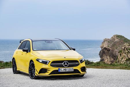 El Mercedes-AMG A45 quiere ser el rey del segmento y para lograrlo también tendrá 'Drift Mode'