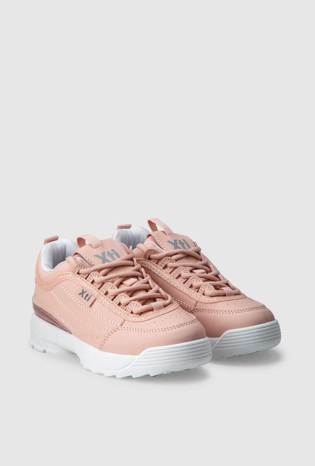 Zapatillas deportivas de niña Xti de color rosa con cordones
