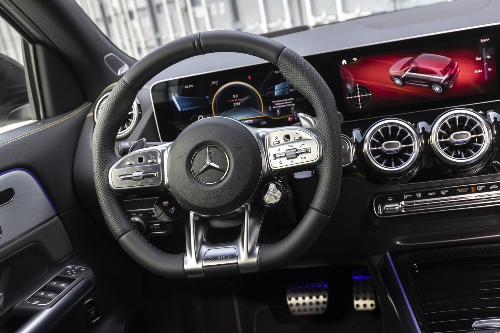Foto de Mercedes-AMG GLA 45 S 2020 (13/28)