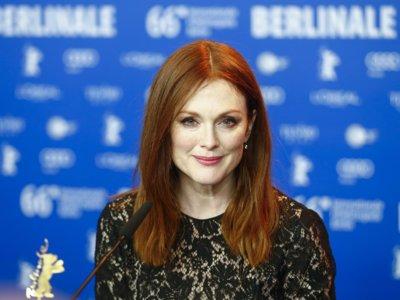 Julianne Moore apuesta por el negro en el festival de cine de Berlín