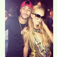 Paris Hilton salía por Ibiza y se encontró a Neymar
