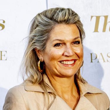 La Reina Máxima de Holanda lo tiene claro, los tejidos naturales son una tendencia en auge