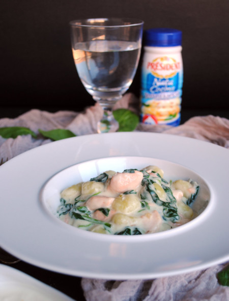 Gnocchi con salsa cremosa de salmón y queso Gorgonzola. Receta