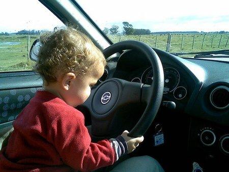El calor ha vuelto y los coches siguen siendo igual de peligrosos para los niños