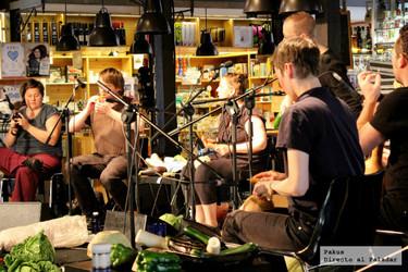 Un concierto con instrumentos vegetales en el centenario del Mercado de San Miguel