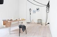 Un apartamento minimalista no, lo siguiente, en Berlín by Coco Lapine