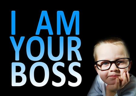Cómo sobrevivir a un jefe más joven que llega a la empresa