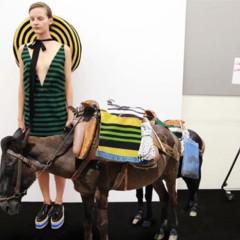 Foto 18 de 21 de la galería la-fantasia-de-prada-junto-a-amo-en-el-lookbook-primavera-verano-2011 en Trendencias