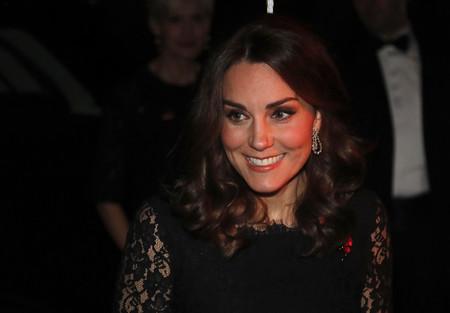 A Kate Middleton se le empieza a asomar la tripa de embarazada (y su estilo sigue siendo impecable)