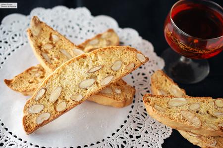 Biscotti clásico de almendras: las galletas italianas más famosas (que en realidad se llaman cantucci)
