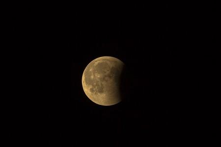 ¿Las lunas pueden tener sus propias lunas?