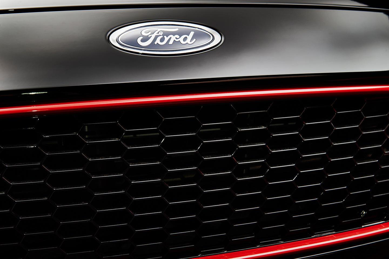 Foto de Ford Focus Red y Black Edition (2/5)