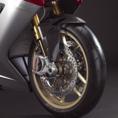 Foto 8 de 10 de la galería mv-agusta-f3-serie-oro-nueva-generacion-de-la-elegancia-italiana en Motorpasion Moto