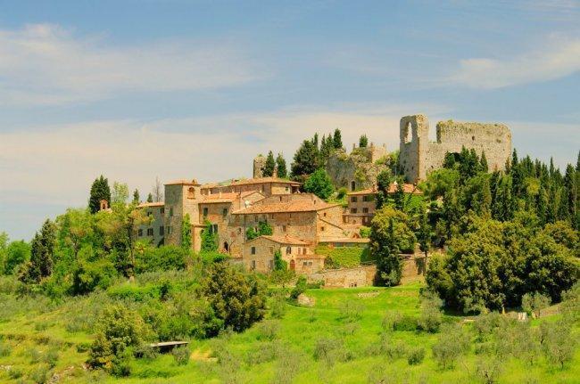 Toscana pueblo Montelifre