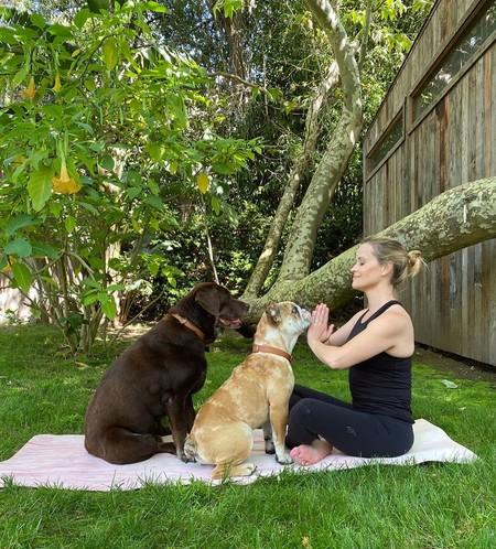 Reese Witherspoon no para: entrenamiento Tabata, Yoga y running para mantenerse en forma sin pisar el gimnasio