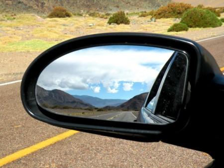 ¿Sabes cuáles son los puntos ciegos al conducir, cómo evitarlos y qué peligros representan?