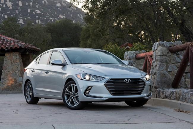 Hyundai Elantra 2017: Precios, versiones y equipamiento en México