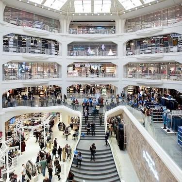 Primark, Lefties y otros gigantes de la moda low-cost con las cuentas a cero por no adaptarse a la compra online