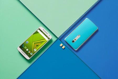 Moto X Play Blue White Lifestyle