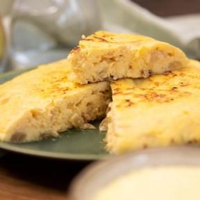 Esta es la receta más rápida que existe (30 minutos) para hacer una tortilla de patatas con cebolla