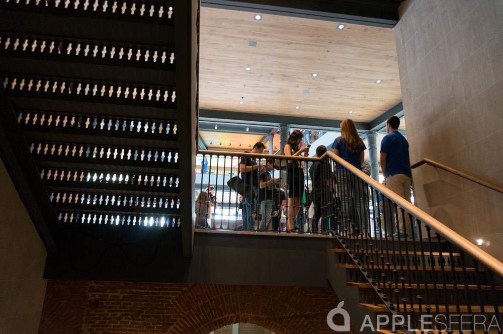 Foto de Apple Store, Puerta del Sol (17/92)