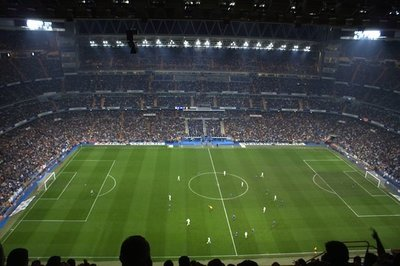 Fútbol: ¿Comentaristas deportivos de televisión o radiofónicos?
