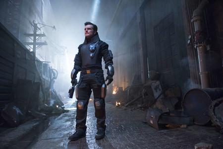Las misiones para salvar al mundo continúan: 'Future Man' y 'Runaways' tendrán segunda temporada