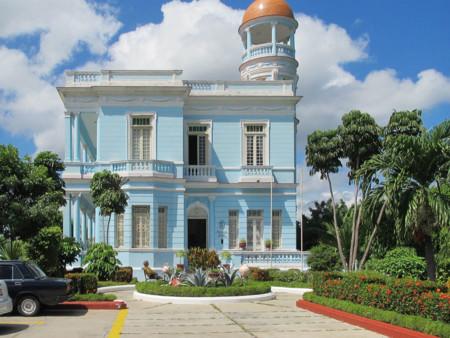 Cienfuegos Palacio Azul