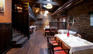 Los siete restaurantes centenarios de España que más nos gustan