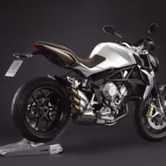 Foto 8 de 27 de la galería mv-agusta-brutale-675-desvelada-en-el-eicma-2012 en Motorpasion Moto