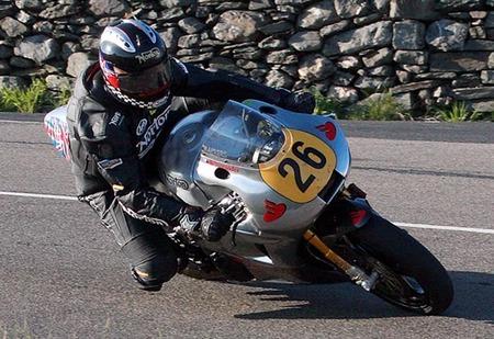 Veinte años después Norton ya rueda en la Isla de Man