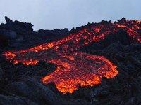 Volcanes en erupción: Pacaya en Guatemala y Tungurahua en Ecuador