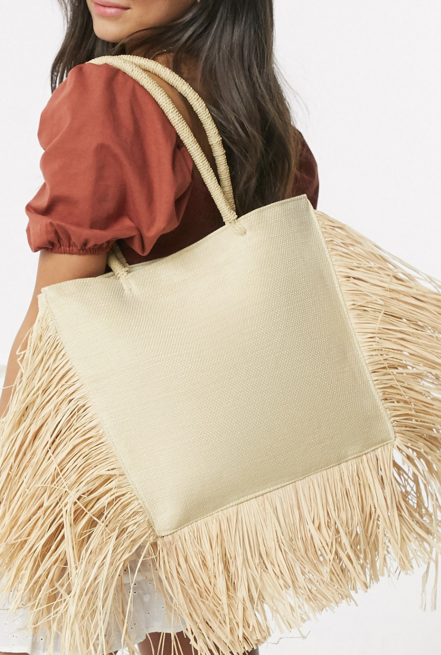 Bolso tote de paja con bordes de flecos en natural exclusivo de South Beach